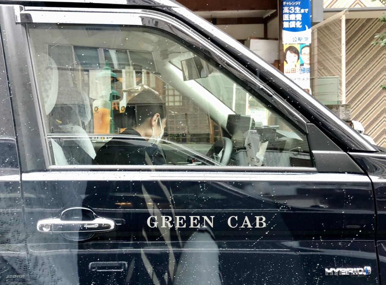 コロナ渦の中、タクシー転職は有り?それとも無し?
